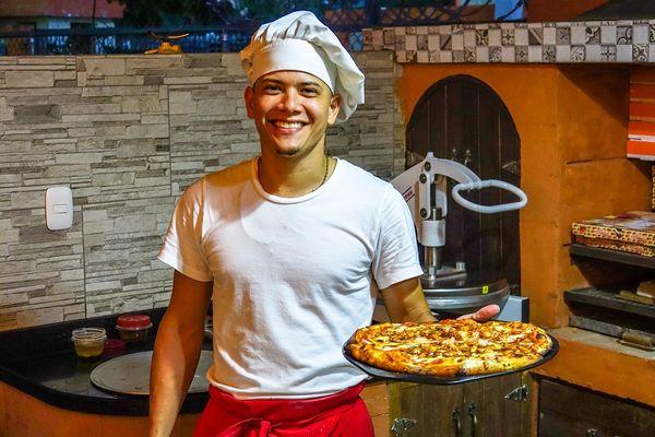 pizzaioli italiani al lavoro in Germania