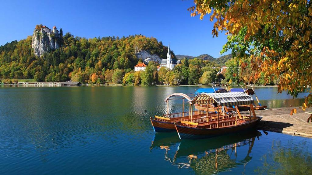 lago di bled slovenia veduta castello